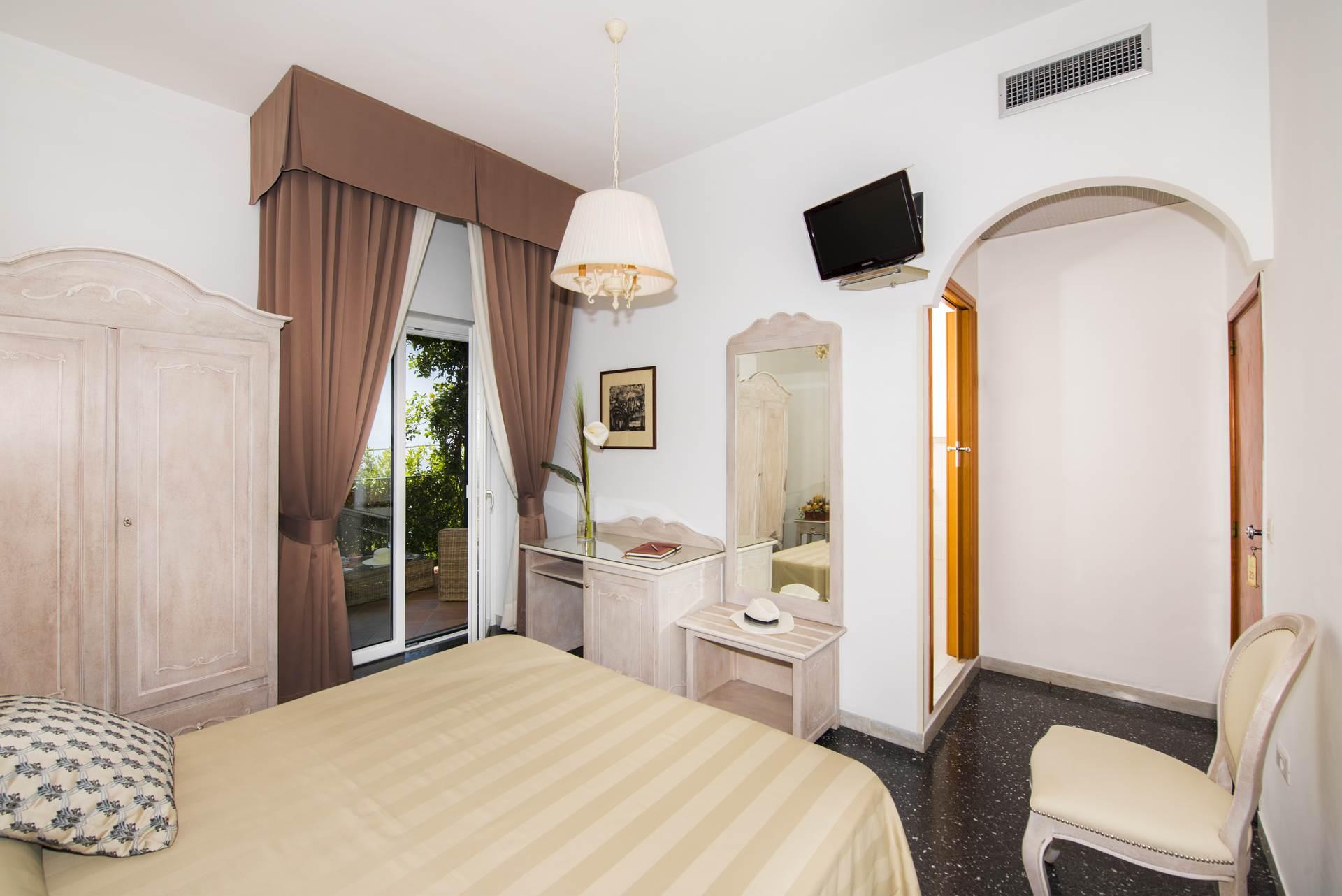 5hotel_pellegrino_praiano_seconda_serie_5_1920